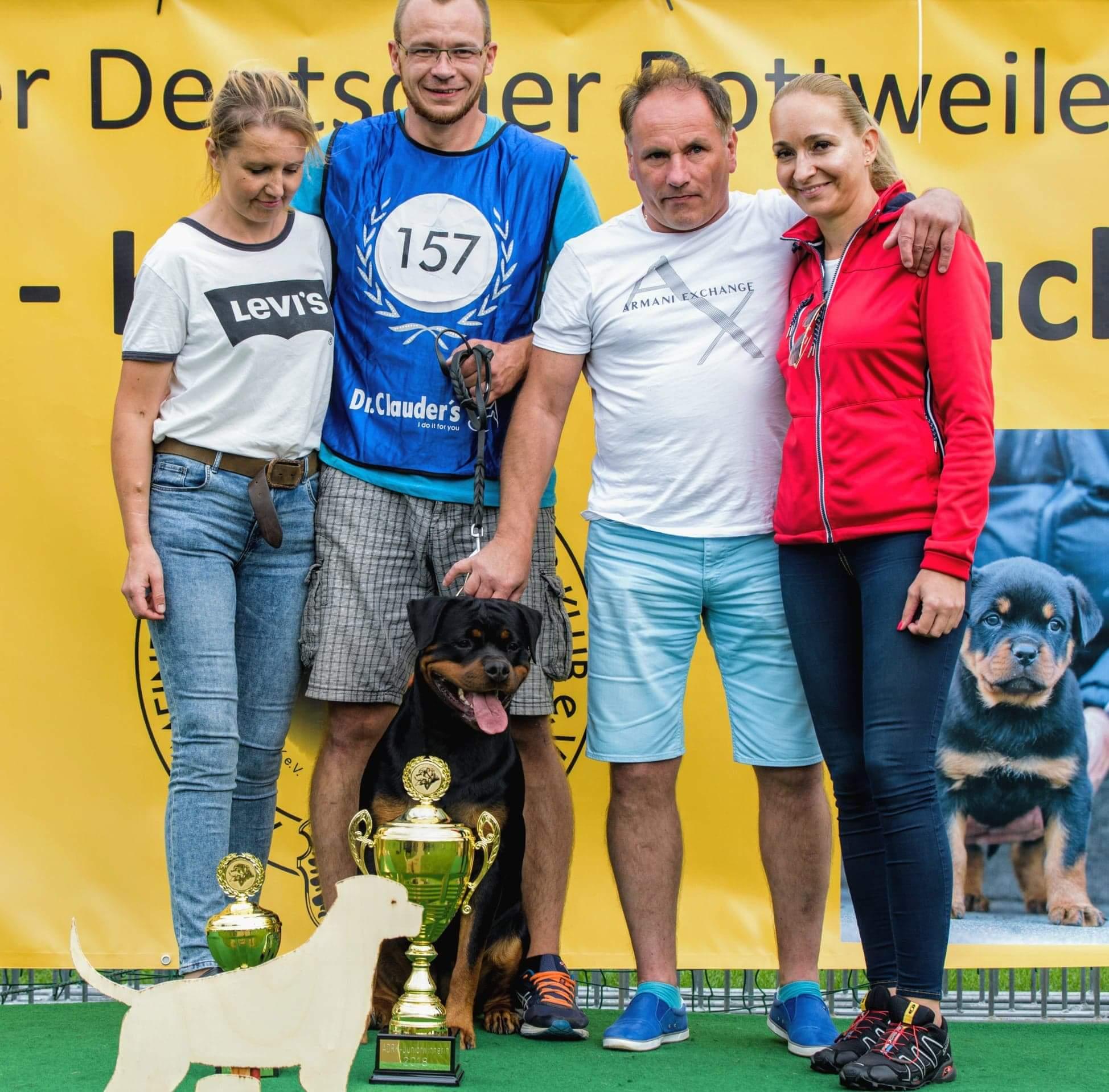 GINA Angaros MŁODZIEŻOWĄ ZWYCIĘŻCZYNIĄ ADRK 2018 !!! | Rottweiler - Hodowla Rottweilerów Angaros - Rottweilers - Rottweilery
