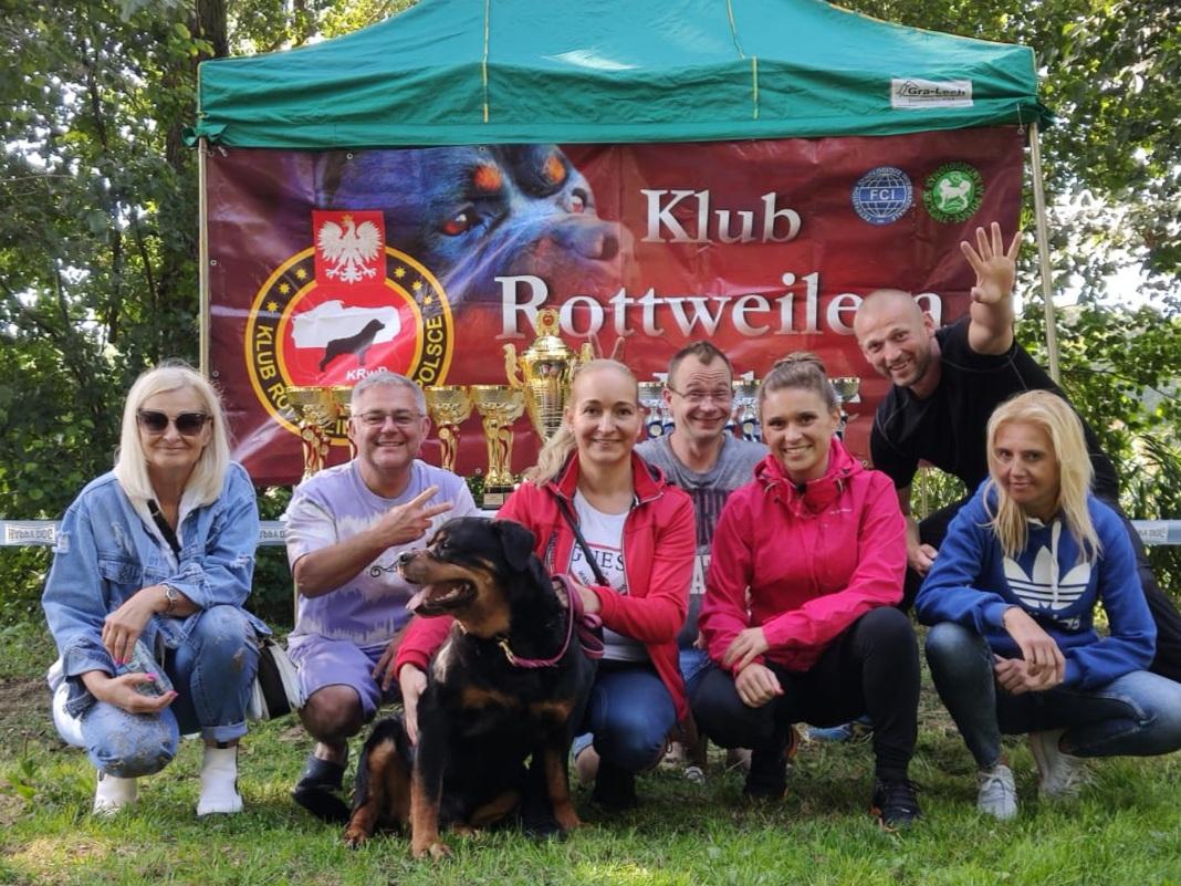 Tegoroczny pierwszy weekend września to weekend z Rottweilerami! Oczywiście nie mogło nas tam zabraknąć :-) | Rottweiler - Hodowla Rottweilerów Angaros - Rottweilers - Rottweilery
